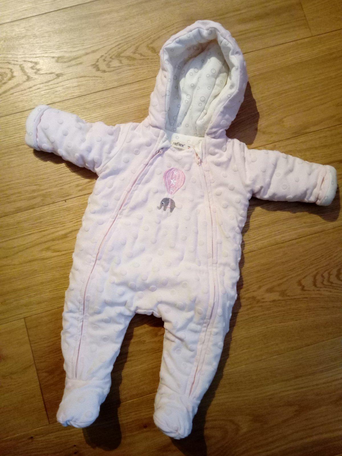 ebe804aeb Ružová kombinéza pre bábätko, 56 - 6 € od predávajúcej sperk_2 | Detský  bazár | ModryKonik.sk