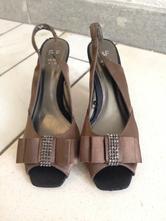 Hnedé sandálky na podpätku nové, f&f,37