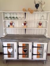 http://www.101palletideas.com/pallet-sideboard-or-kitchen-cabinet/