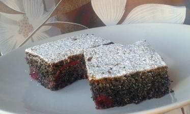 ..makový koláč s višňami...