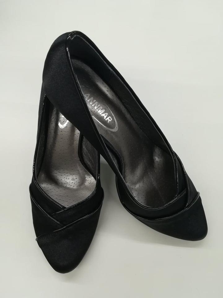d027a4ec75 Zobraz celé podmienky. Dámske spoločenské topánky 5619-607 z ...