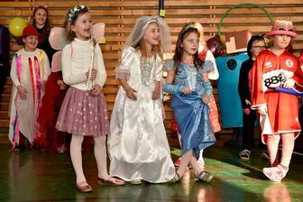 Karneval v EZŠ v šk.r. 2018/2019 -07-02-2019  Zdroj: stiahnuté jpg z FB evanjelickej školy v PO