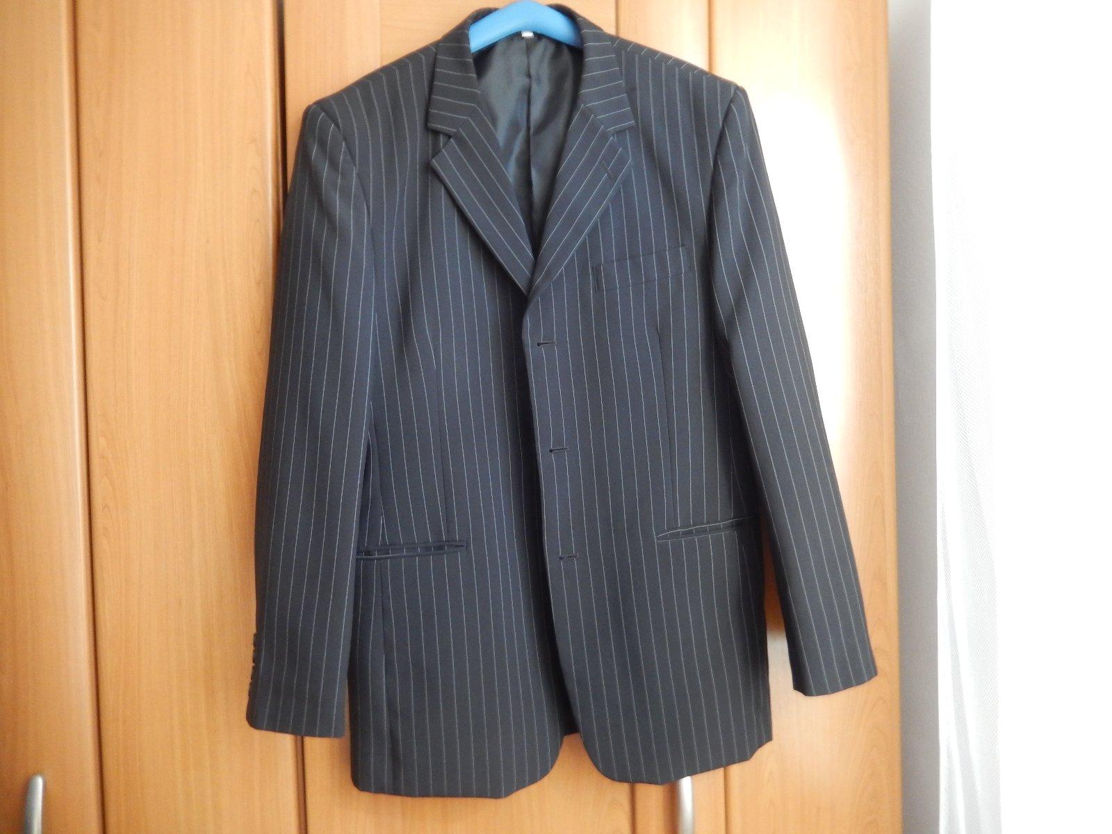 5a67bcf37f Predám pánsky oblek
