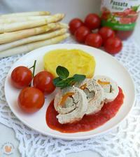 1r.+ Krůtí závitek plněný chřestem a mrkví s bramborovou kaší a rajčatovou omáčkou