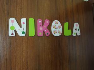 písmenká už nalepené na dverách :)