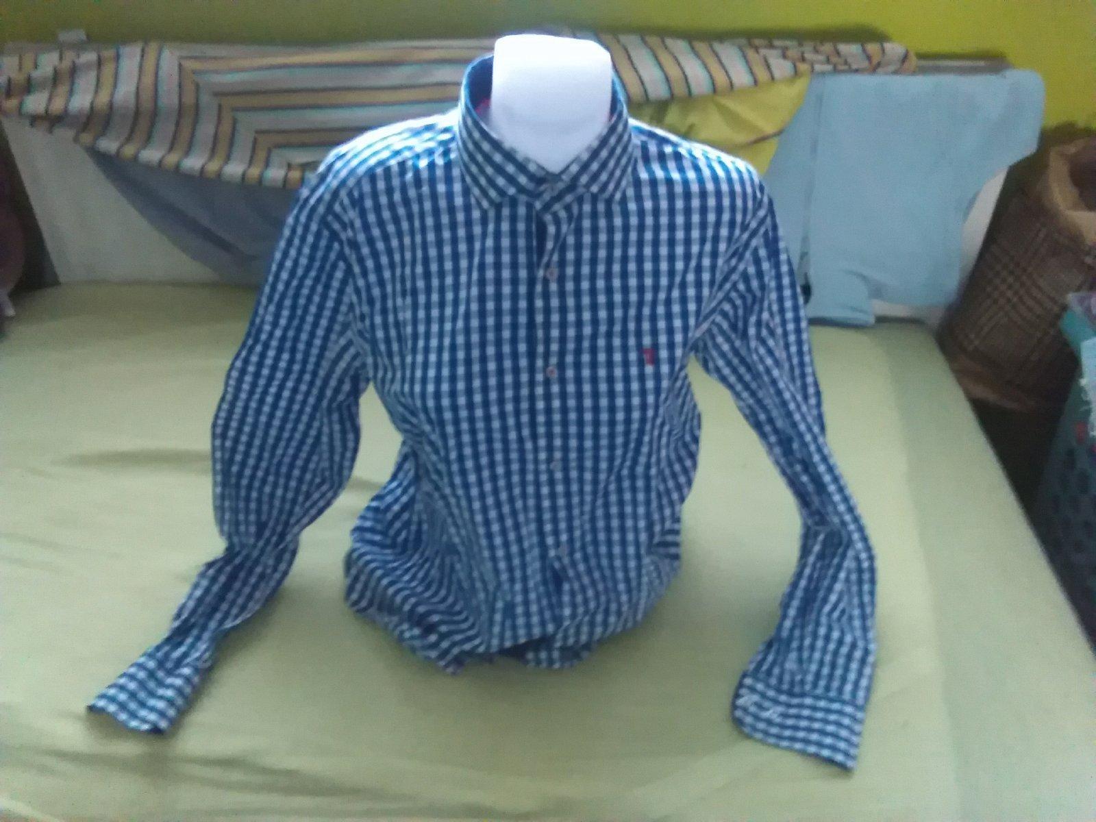ce5744cfa264 Výpredaj na rifle 5 ks za 2€ Zľava 50% na oblečenie a knihy 30% ďakujem. Pánska  košeľa ...