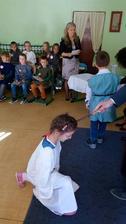 Tak ako každý rok v školskom klube detí začíname imatrikuláciou, tak aj tento rok sme s radosťou pasovali našich prvákov, a teda udeľovali im hodnosť rytierov.
