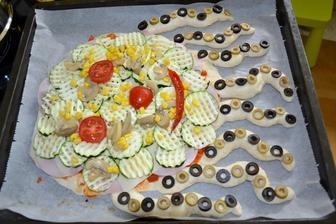 dalsia pizza chobotnica vo vyrobe :)