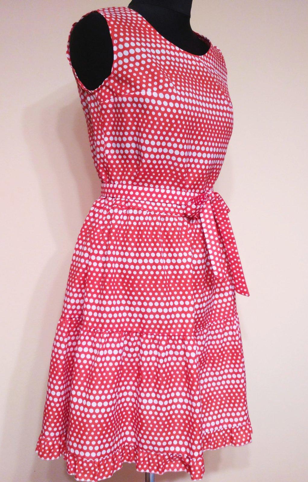 c1f1adc26b242 Retro červeno-biele bodkované šaty, m - 15 € od predávajúcej angi_lele |  Detský bazár | ModryKonik.sk