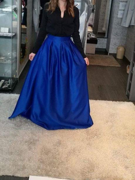 ef99aed25da8 Modrá dlhá spoločenská sukňa