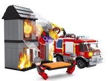 Stavebnica ausini požiarnici-horiaci dom 374 diel,