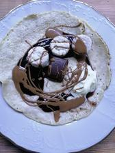 Proteinova palacinka, cokolada, arasidove maslo s proteinelou a ryžové chlebíčky v bielej cokolade