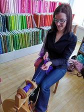 Kurz pradenia v obchode Zebrapatchwork - lektorka kurzu je Eva Krišková Vlna Art