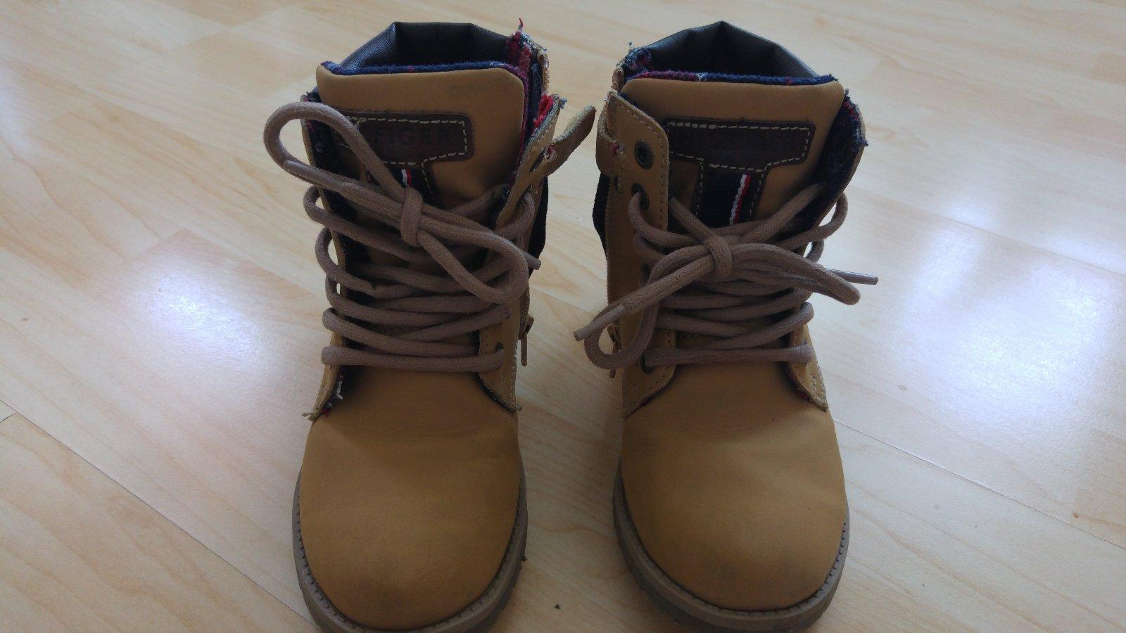 004f8bf81bd0 Super topánky tommy hilfiger