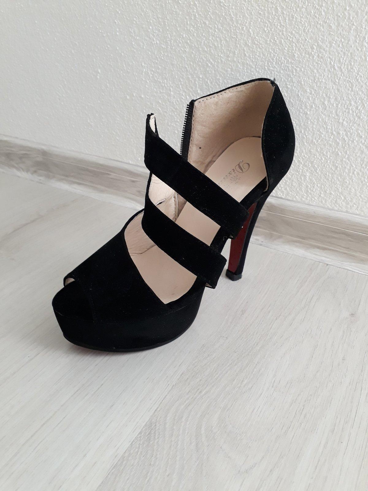 b6e3235385cc Čierne sandále