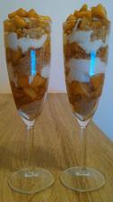 Jablkovo-arašidové poháre s mascarpone