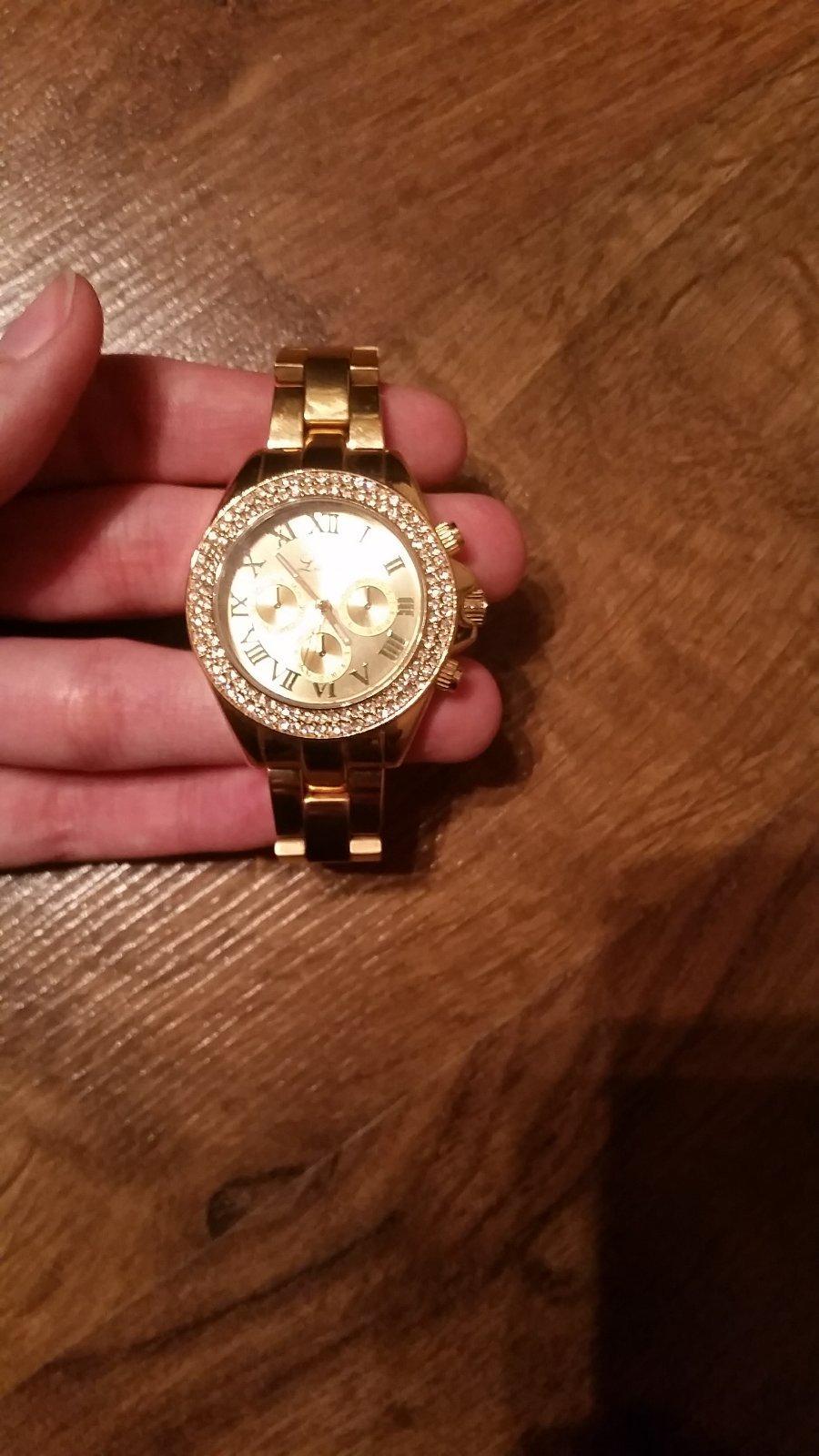Zlate hodinky so strasovymi kamienkami lumir 272e862e2ad