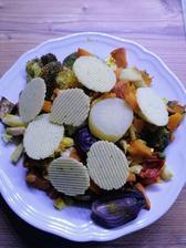 Vecera, zeleninka na grile s olomouckym syreckom a chipsy smotana cibulka