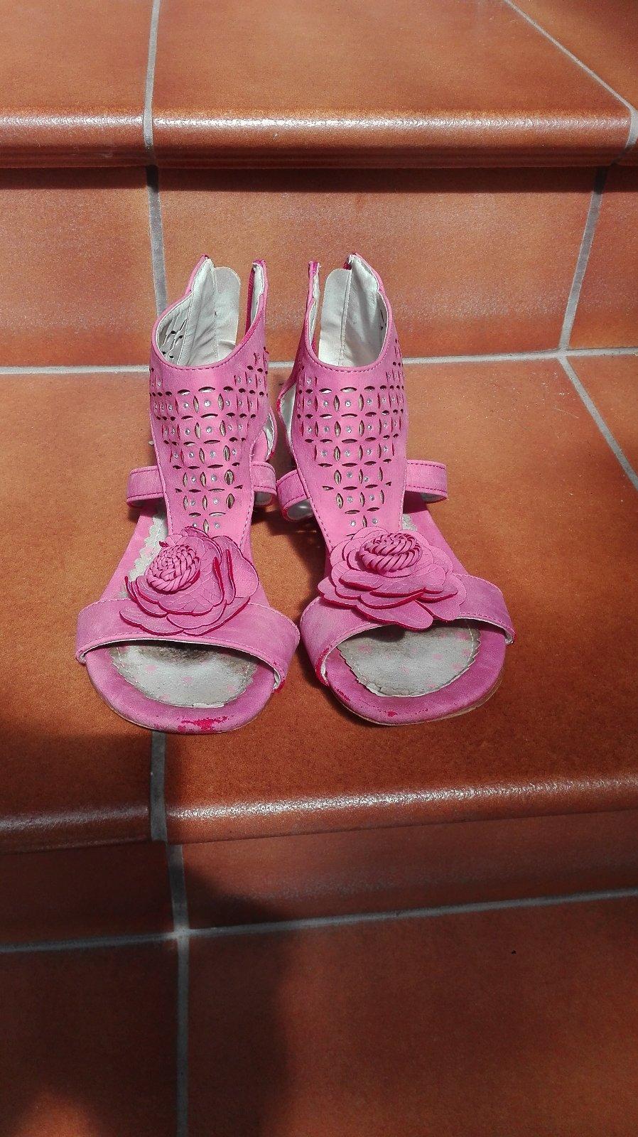 4f10de1bb874 Dievčenské sandále