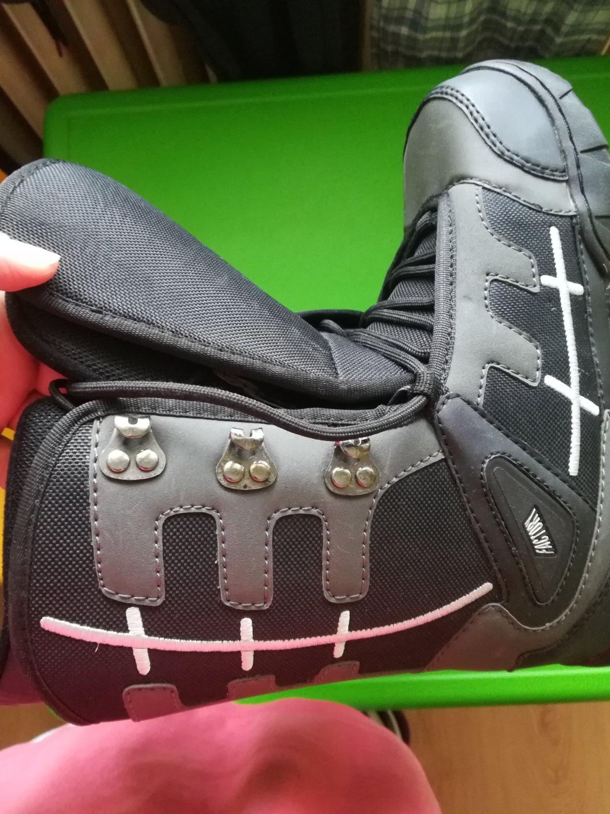 b77d848183752 Snowboardove topánky, - 28 € od predávajúcej ferka6 | Detský bazár |  ModryKonik.sk
