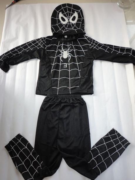 0c1ce84344b5 Kostym spiderman cierny tovar novy 3 az 5rok.