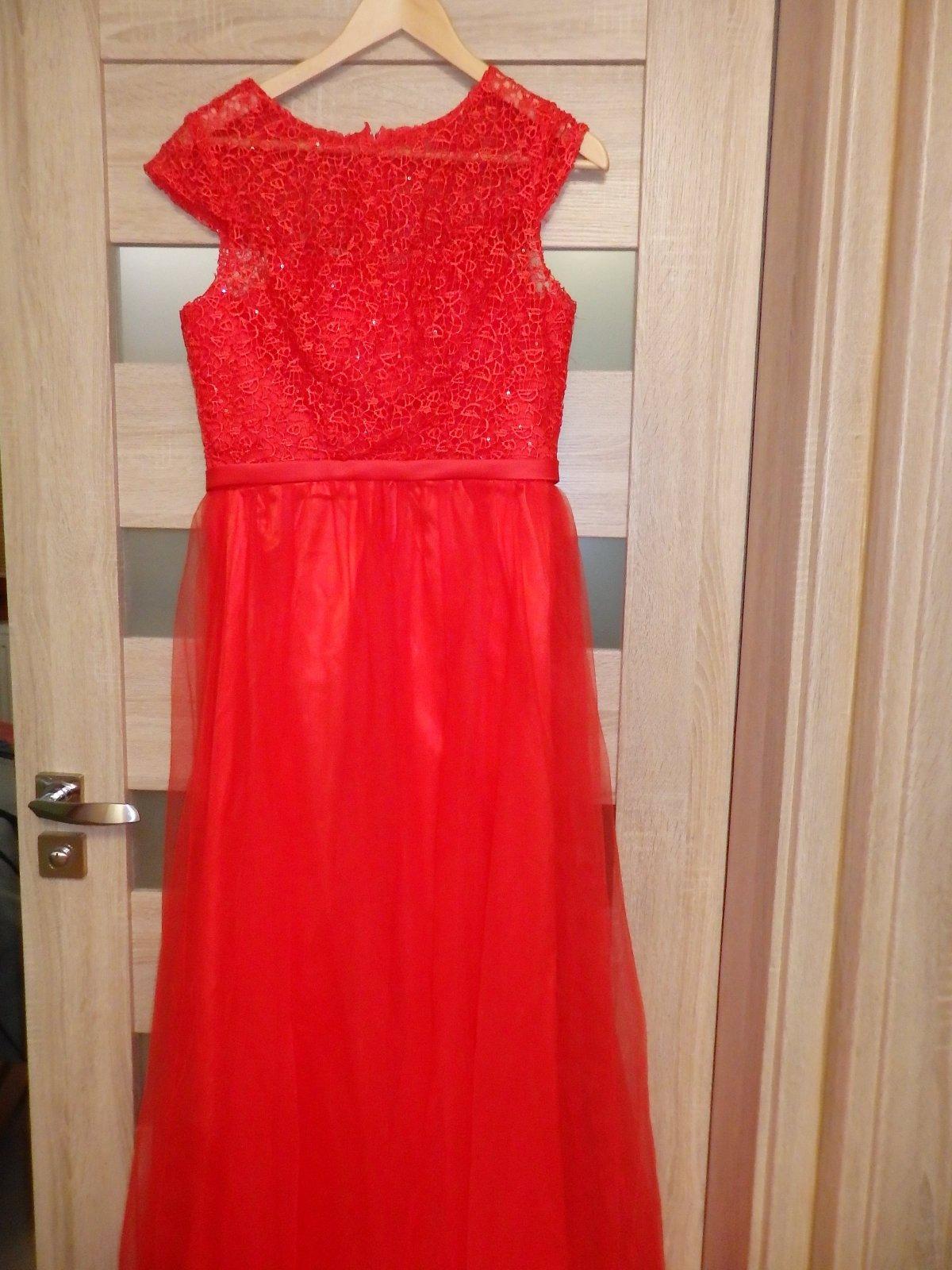 4608e63e28d4 Spoločenské šaty -červené v.38