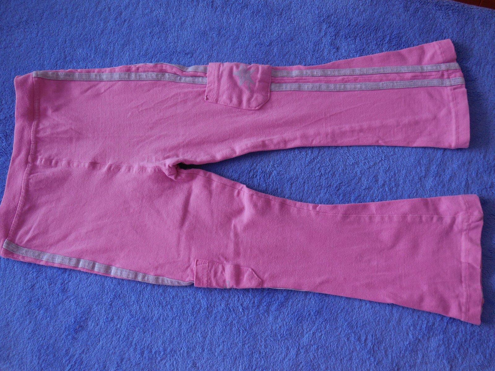db876e919 Ružové tenké tepláky veľkosť 104/110, 104 - 0,30 € od predávajúcej  mikinuska | Detský bazár | ModryKonik.sk