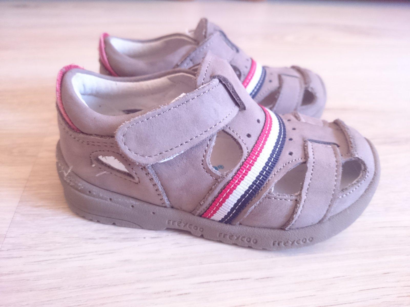 f7243fd4cfd8 Freycoo sandálky