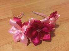 Ružová kvetinová čelenka,
