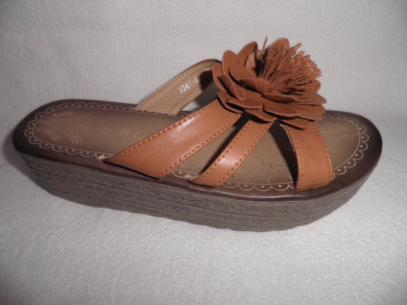 6dff3e6312 Pekné dámske letné sandále
