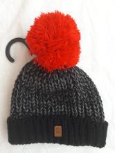 Pletená čiapka s brmbolcom (na vek 3-6 rokov), f&f,104 / 110 / 116 / 122