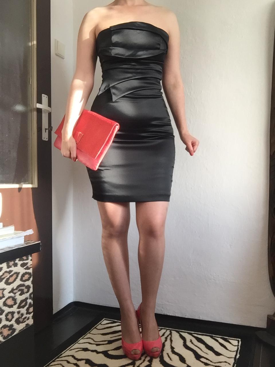 9eda850aa Guess čierne šaty s+ dior mini paletka, guess,s - 28 € od predávajúcej  katka1025 | Detský bazár | ModryKonik.sk