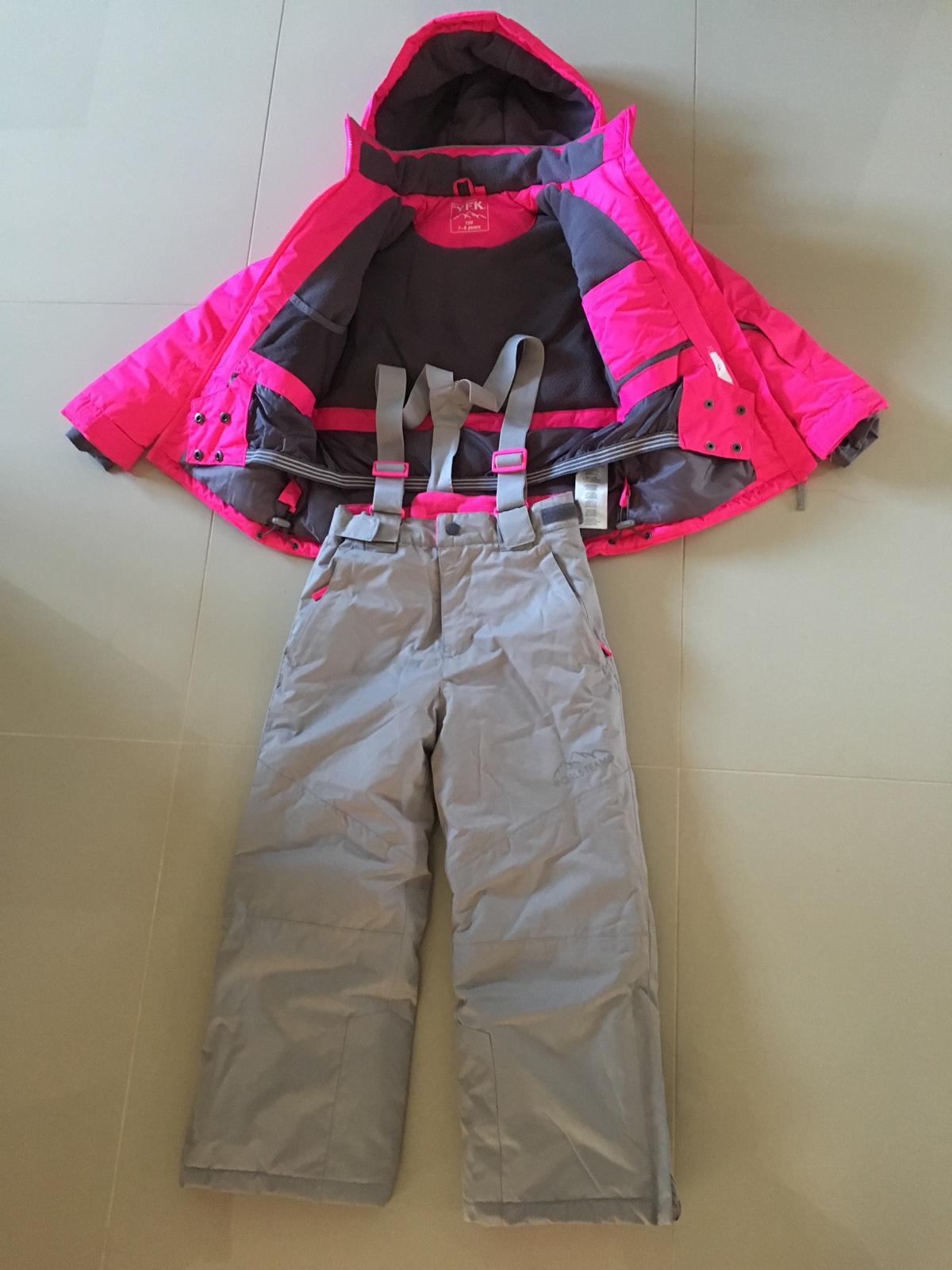 43956a8491522 Zimná bunda +oteplovacky 128, kik,128 - 20 € od predávajúcej mackabab |  Detský bazár | ModryKonik.sk