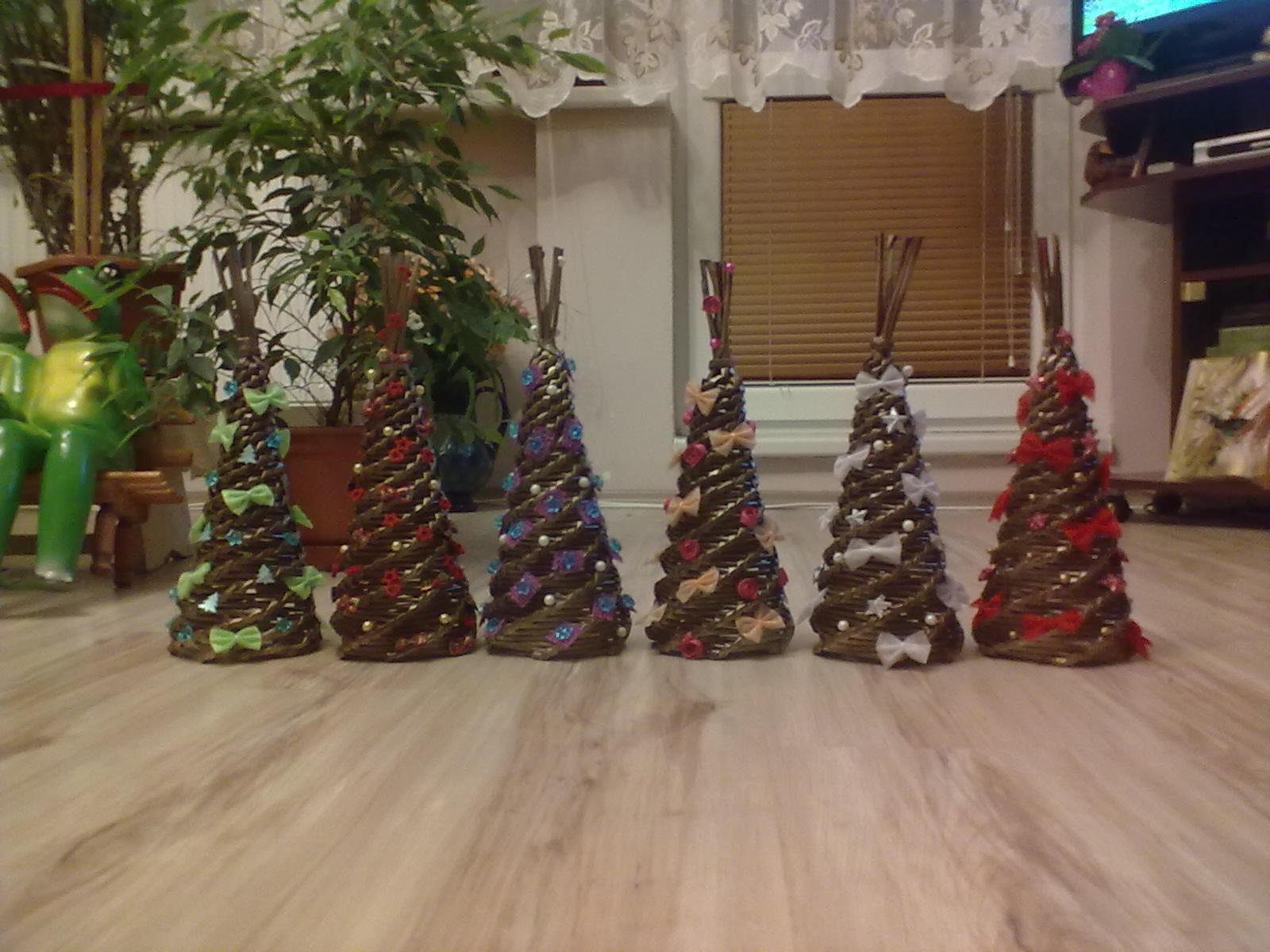 24a34ab30 Vianočné stromčeky pletené z papiera - Album používateľky mata26010106