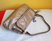 Zľava fendi zlatá kožená kabelka s príveskom 34212b1e4ba
