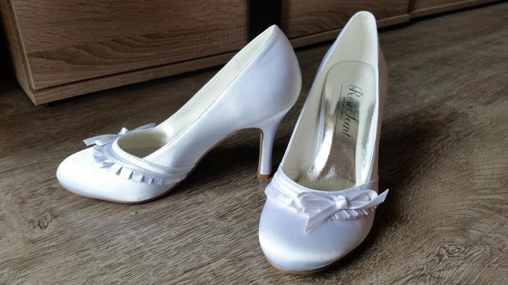 d986f6f8a7 Biele svadobne topanky