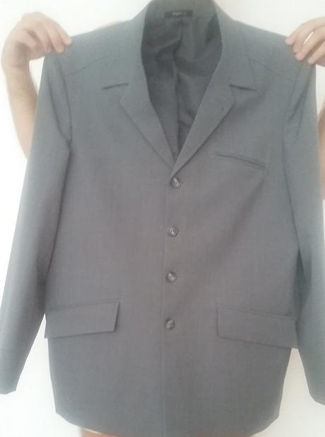 bf577e9e4 Predam cisto novy oblek rutz design+kravata, xl - 39 € od ...