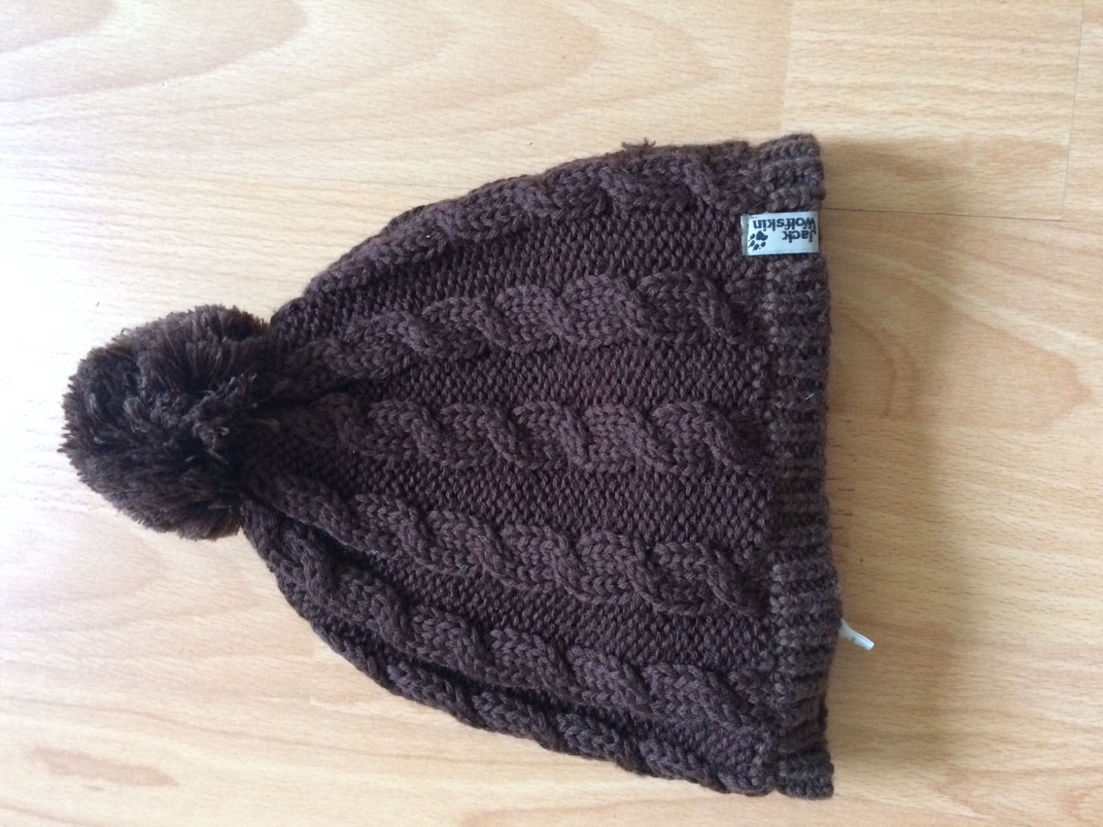 3f5dd6222 Zimná čiapka zn. jack wolfskin, jack wolfskin,m - 10 € od predávajúcej  andy_007 | Detský bazár | ModryKonik.sk