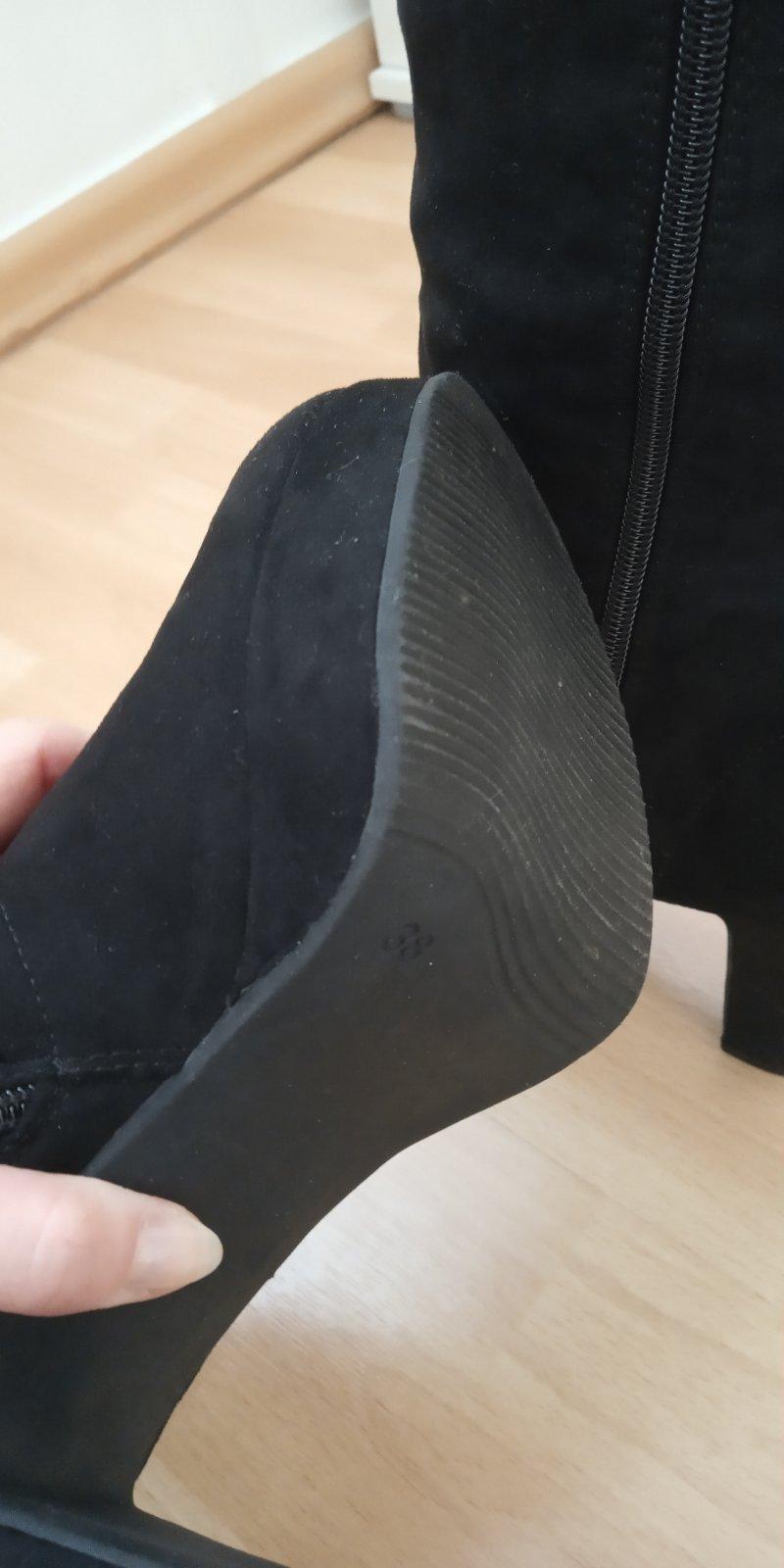 7d7f7daa33 53 inzerátov • 6 hodnotení. Čierne semišové čižmy ...
