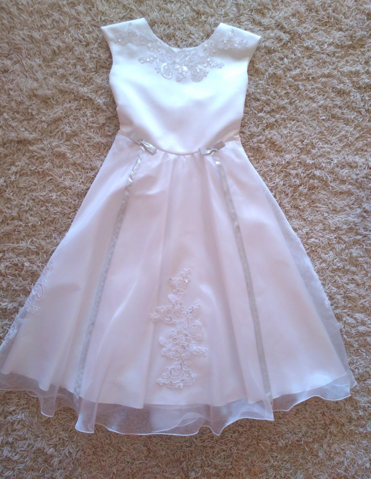 2834a028b3a4 Biele šaty s čipkou na prvé sväté prijímanie