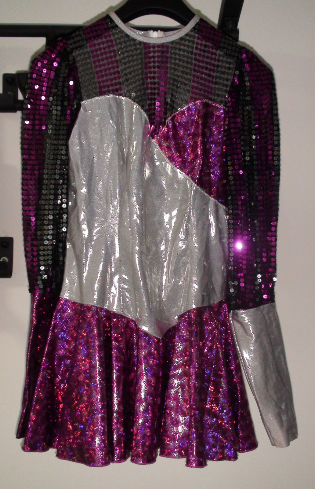 c12b348f5010 Dámske karnevalové šaty - krasokorčuliarka