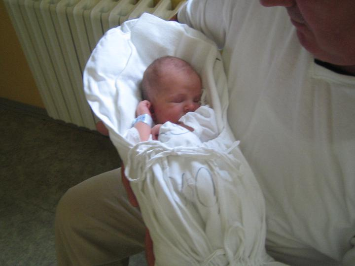 S dedkom v porodnici