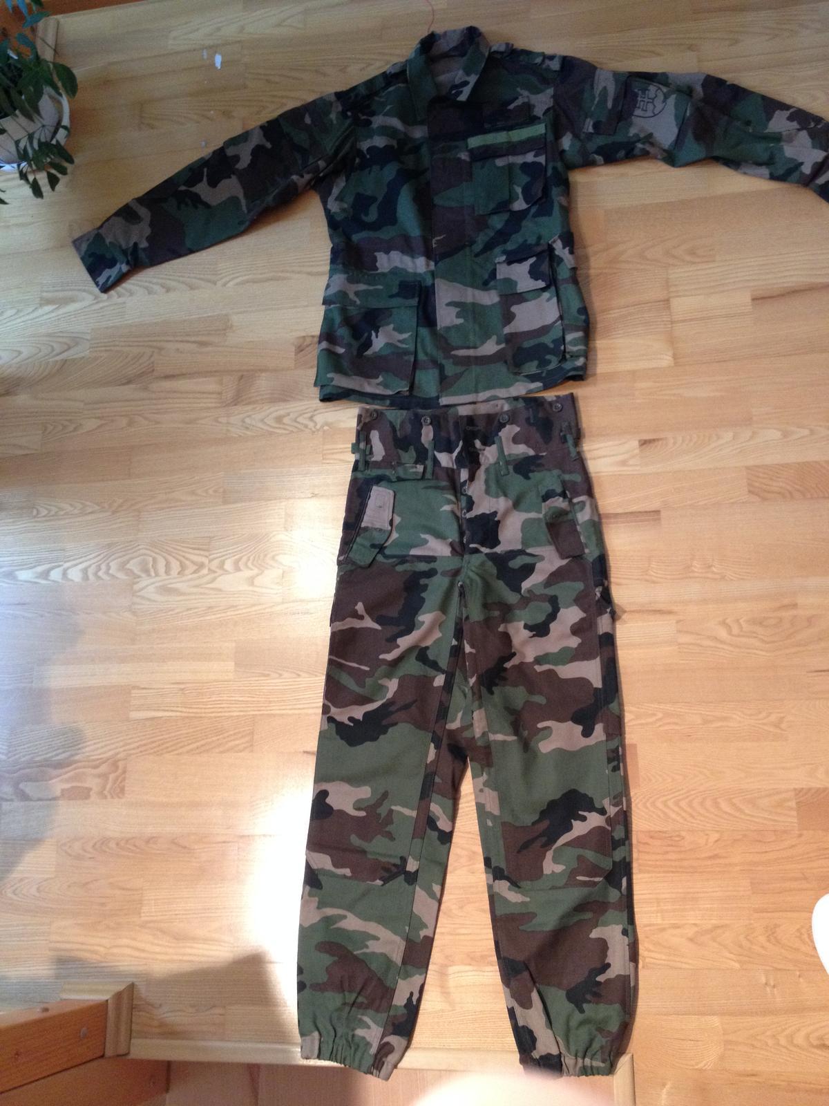 f4f1ace6e388 Vojenské maskáčové oblečenie