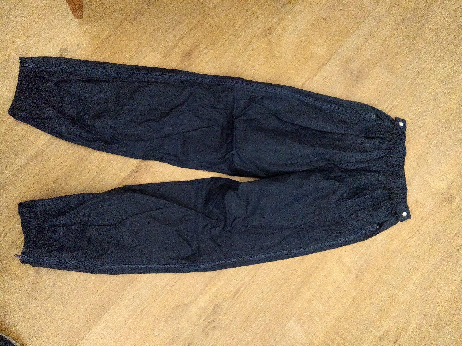 fdc7aab071b2 Nepremokavé nohavice na turistiku veľ cca 42-44