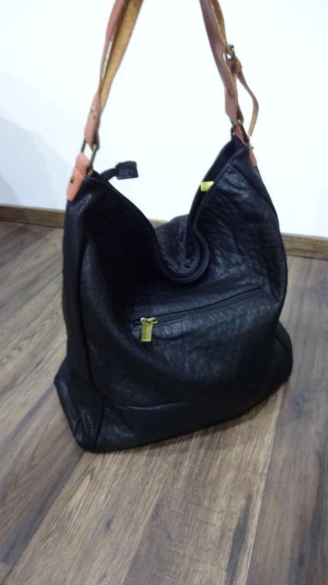A441 kabelka čierna s koženou rúčkou,