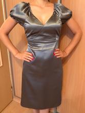 Sivé saténové šaty, 36