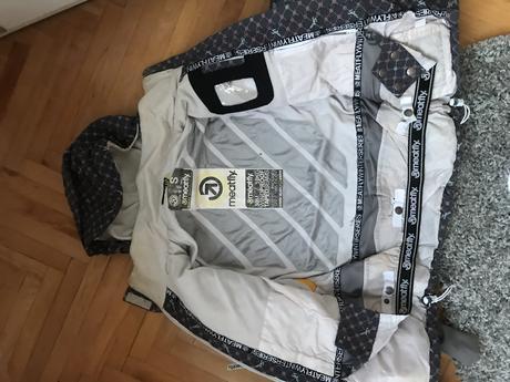 af10575d4 Damska lyžiarska súprava zn. meatfly, s - 40 € od predávajúcej krstn ...