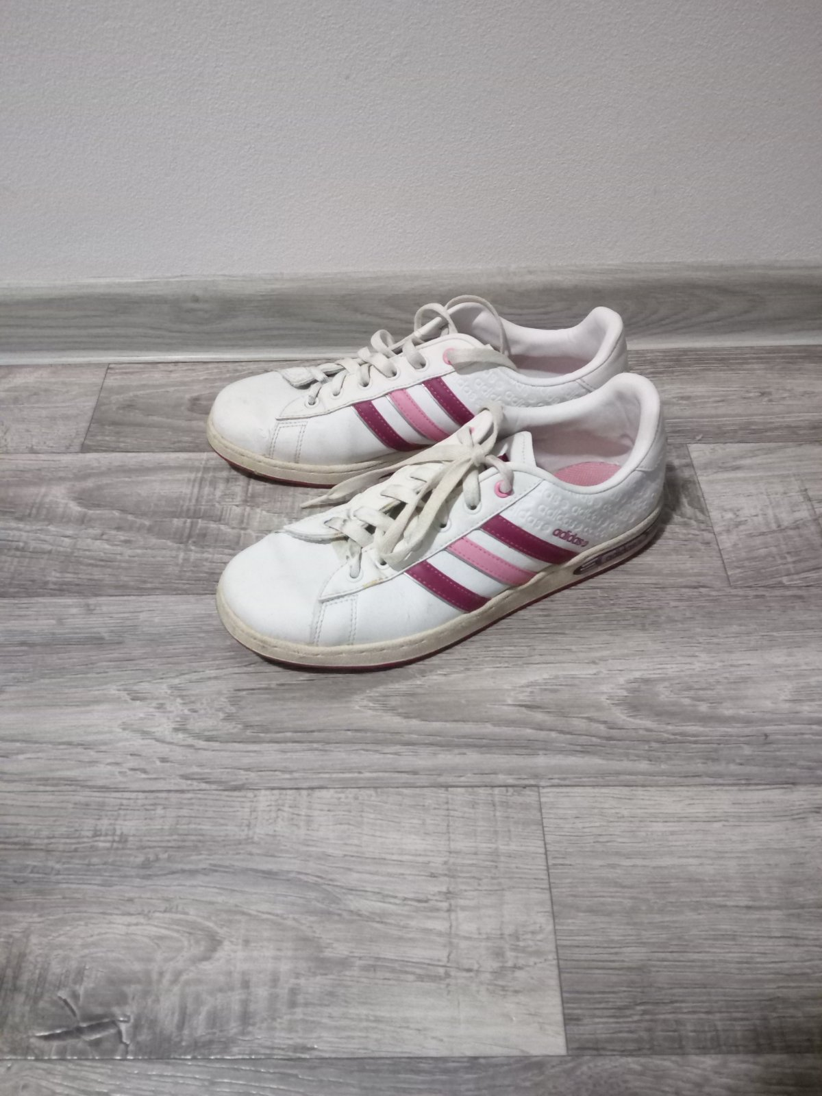 68fa3e7b8145a Adidas dámske botasky, adidas,38 - 14 € od predávajúcej sulong | Detský  bazár | ModryKonik.sk