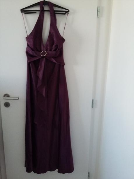 92944cb9f342 Rôzne plesové šaty po 12 eur