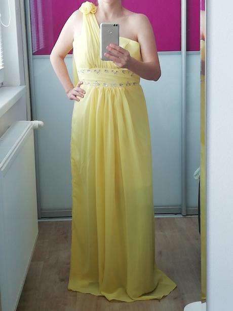 8f2028054899 Romantické dlhé žlté šaty na ples